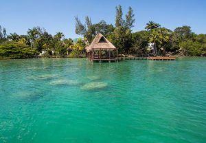 muelle hotel rancho encantado laguna de bacalar