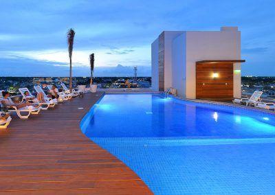 Fiesta-Inn-chetumal-piscina