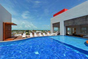Hotel-Fiesta-Inn-Chetumal-piscina